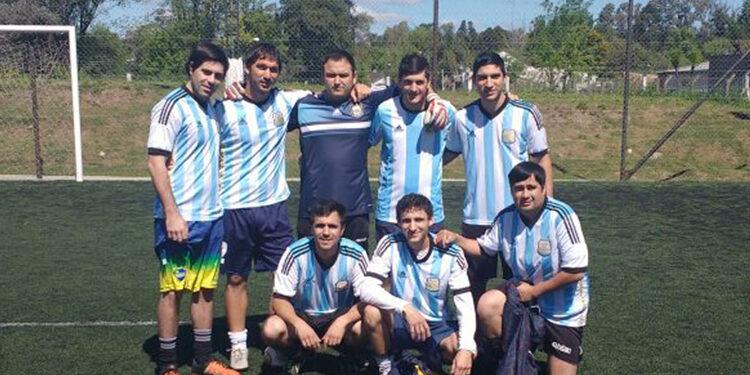 """(""""Deportivo Gambeta"""" el equipo prometedor del Interno de Mastellone Hnos.)"""
