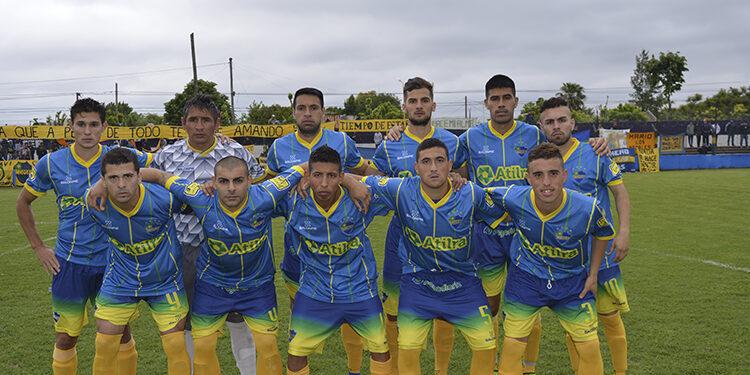 (El equipo titular que recibió a Lugano en cancha del Lechero)