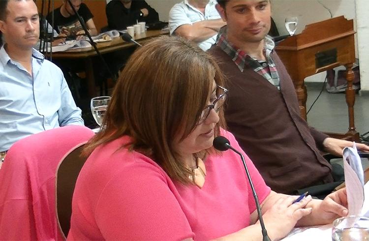 (Concejal Claudia Guerra, del Frente para la Victoria)