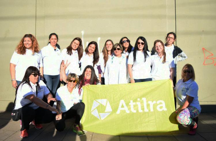 (Trabajadoras de Mastellone Hnos. en la oficina gremial antes de la partida a Rosario)