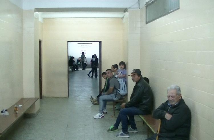(Los pasillos de la guardia del Hospital Vicente López)