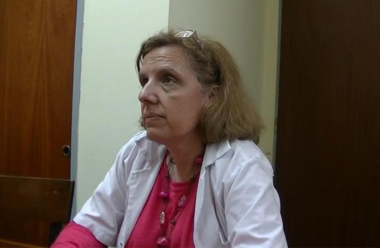 (La Dr. Barbagelata hablando de la falta de médicos)