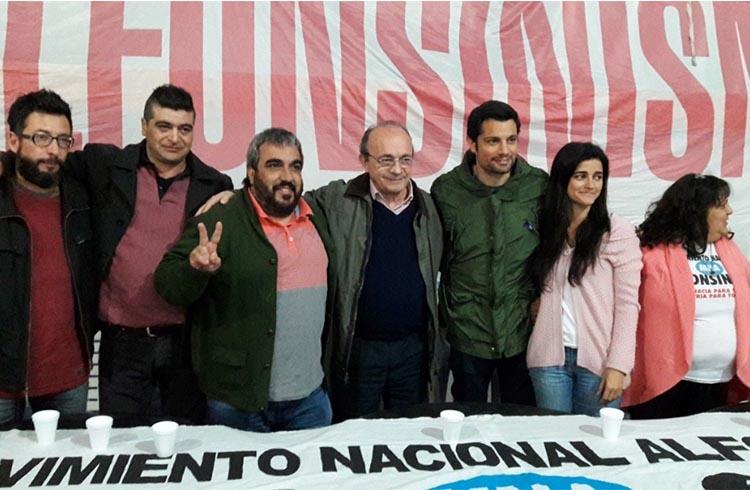 (Julio Tedesco, Adrián Trevisani, Carlos Paz, Leopoldo Moreau, Mauro García,  y Carmela Moreau)