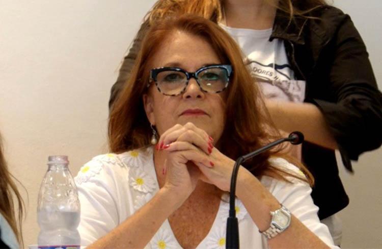(Alicia Castro)