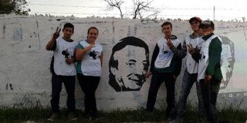 (Mural de la juventud frente a la unidad básica de Somos Rodríguez)