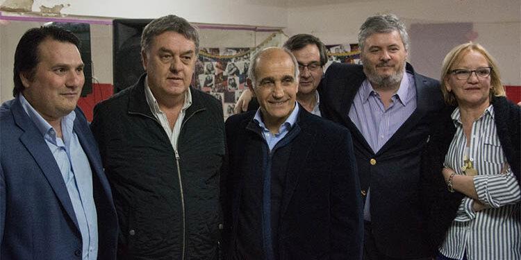 (Darío Kubar, Miguel Jasinsky, Daniel Salvador, Santiago Nino y Reina Silva)