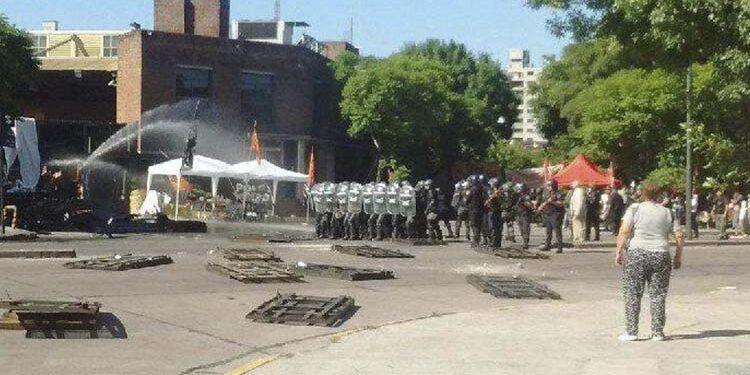 (Represión a los trabajadores en la planta AGR durante la tarde del martes 17 de enero)