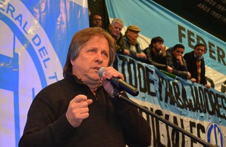 (Héctor Amichetti, secretario general de la Federación Gráfica Bonaerense)