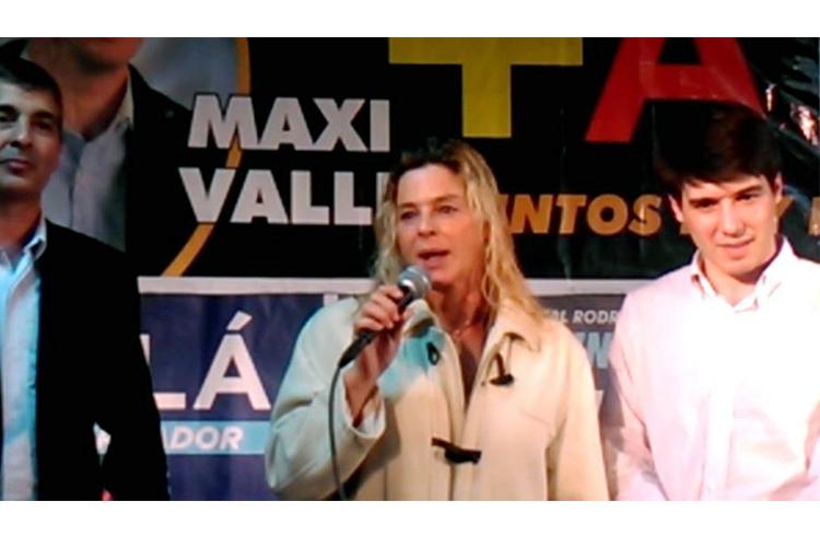 Maximiliano Valli junto a Carlos González y María Elena Chávez