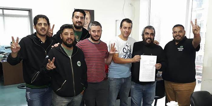 Representantes de la Federación Grafica Bonaerense junto a los concejales de Unidad Ciudadana Reinaldo Torres, Carlos Paz y Manuel Anigstein