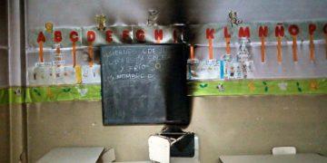 Escuela 6 – Pared afectada por la calefacción que despide monóxido de carbono en el espacio cerrado