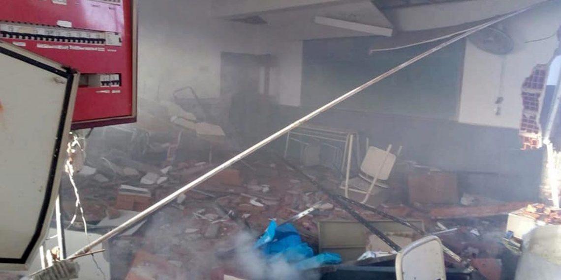 (Fotografía: Perfil.Com / Imagen de la Escuela destruida por la explosión que causó la muerte de Sandra Calamano y Rubén Rodríguez)