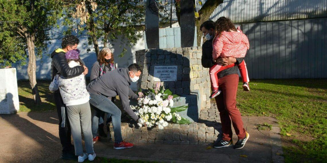 Homenaje a Juan Ávila en el Polideportivo Municipal